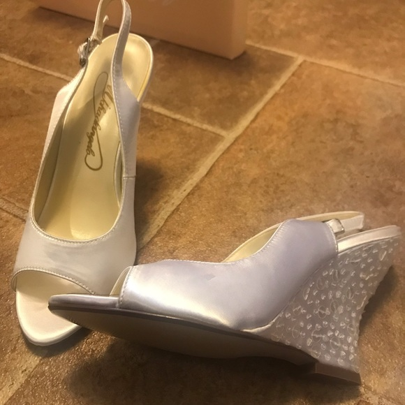 d3675b6aebcb White Michaelangelo Wedding Wedge Shoes